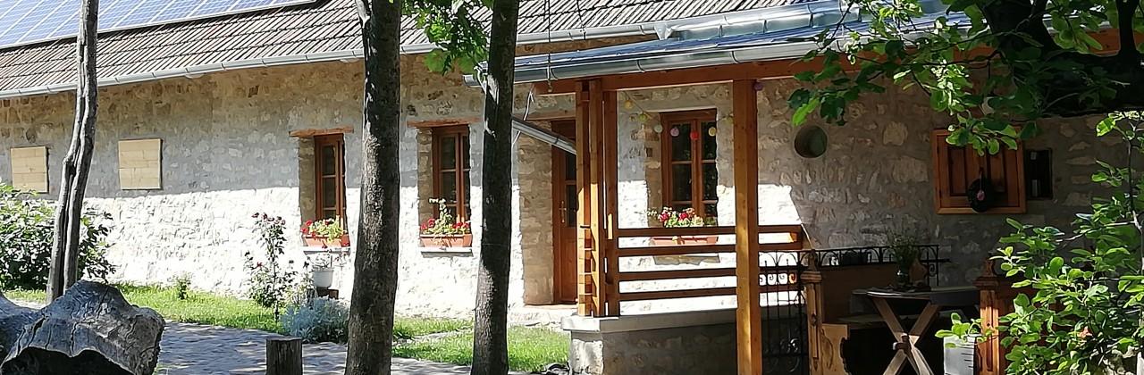 Apartments for Bor, mámor, Bénye Festival